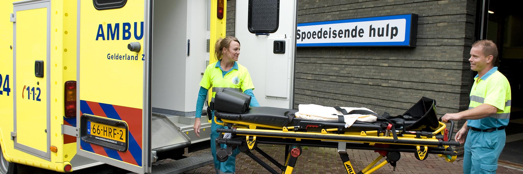 Ambulance-brancard-62-01_breed